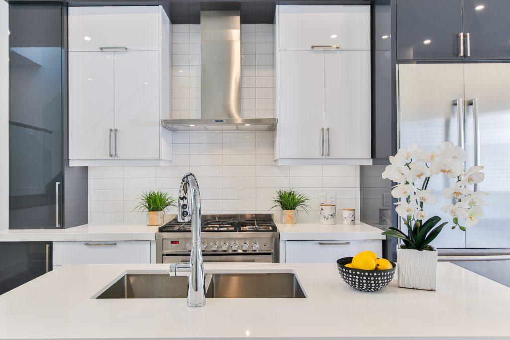 Une cuisine moderne, pratique et esthétique